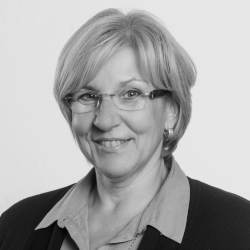 Mery Kausemann, InHK-Citymanagerin, Telefon 02267 / 64-219, mery.kausemann@web.de